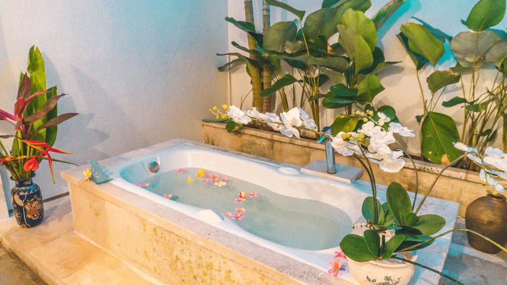 Deva Bali Villa,Seminyak Villa 6 kamar di Bali Terbaik